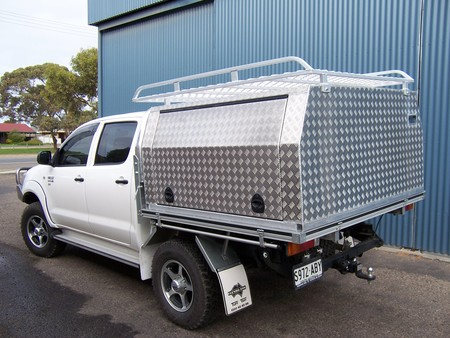 Aluminium treadplate canopy for hilux ute