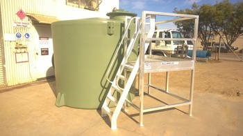 Custom access platform for tank