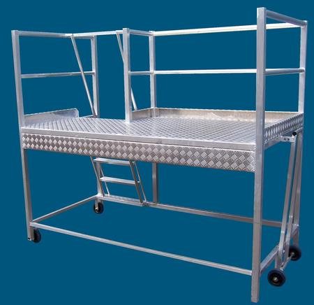 Truck access ladder with tow lever -boom gate for added safety, 300kg access