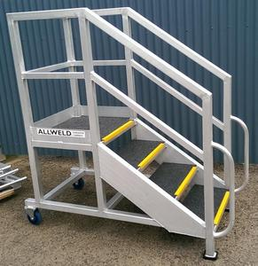 Mobile access stair