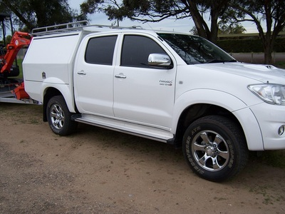 Hilux flared guards
