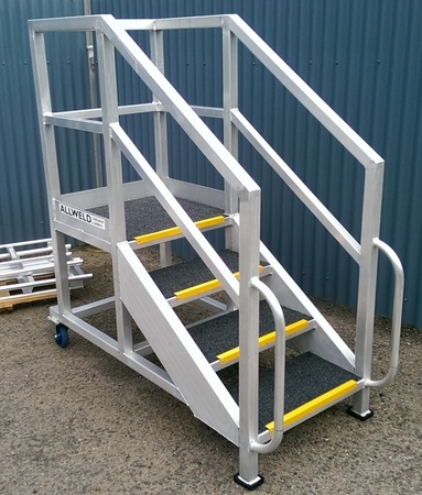 Portable access stair
